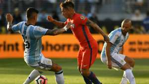 Marcos Rojo Eduardo Vargas Javier Mascherano Argentina Chile Group D Copa America Centenario 06062016