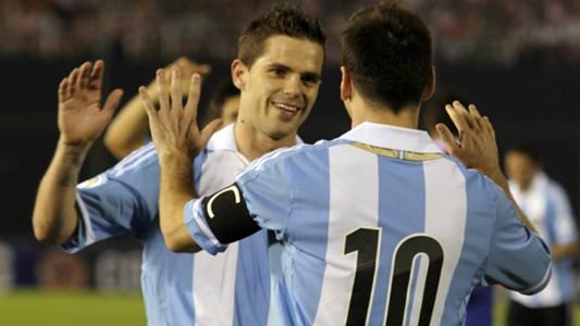 Fernando Gago Lionel Messi Argentina Paraguay Eliminatorias 10092013