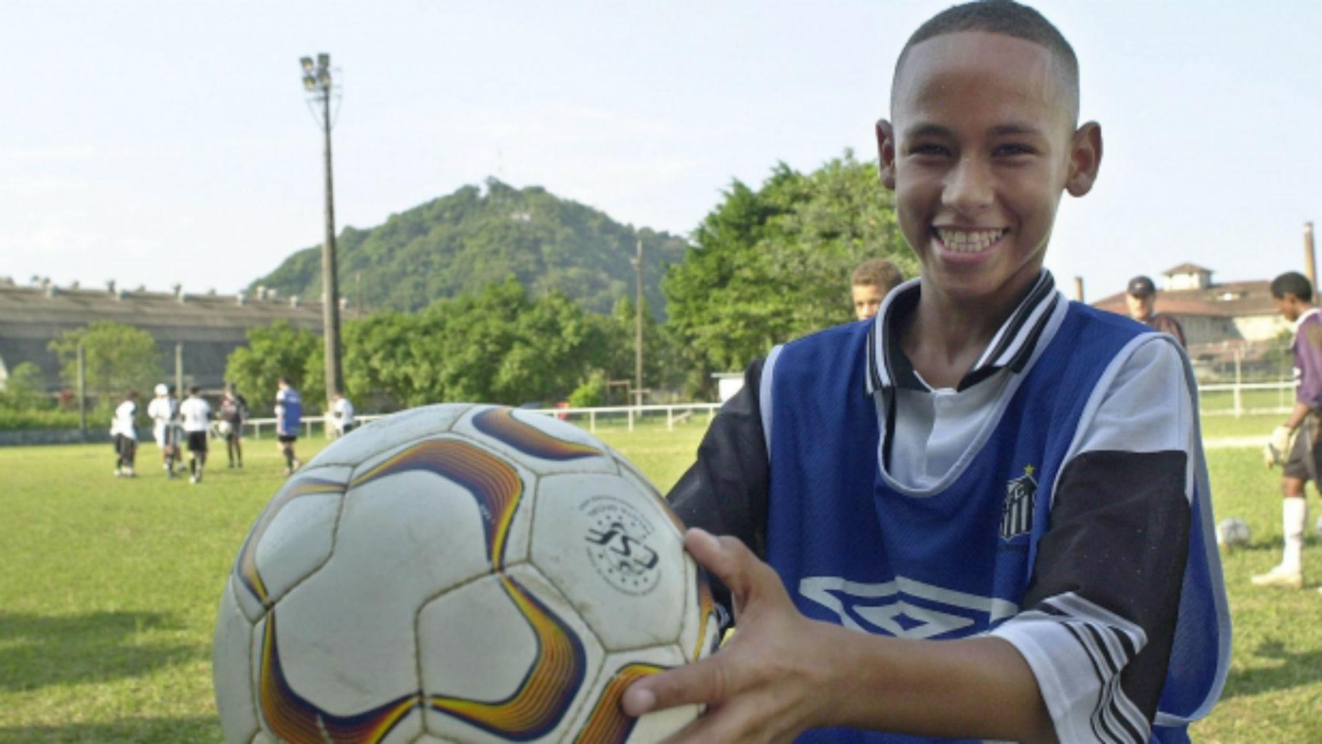 Neymar criança garoto