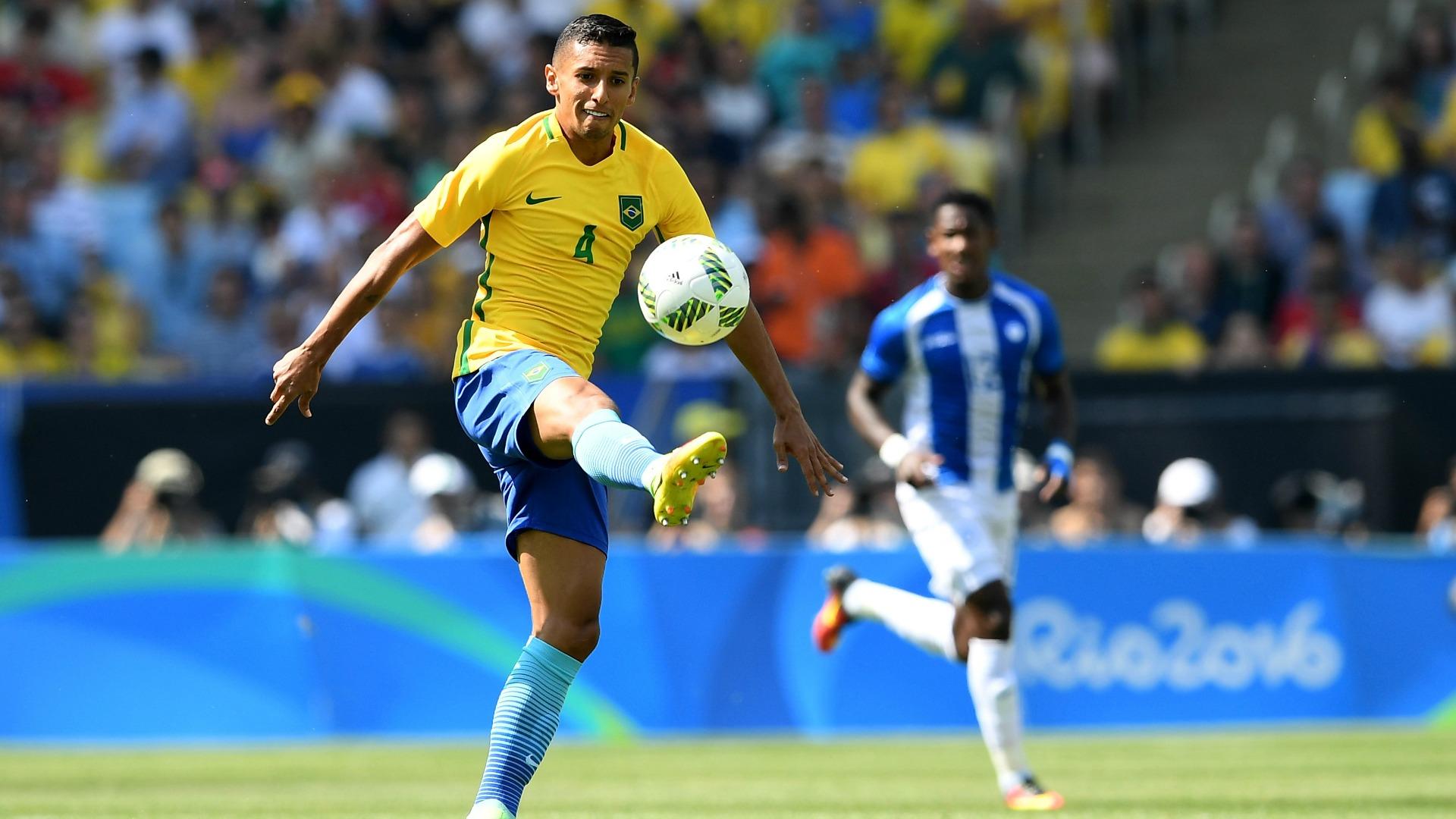 Brasil 6 x 0 Honduras  Seleção goleia e fica a um passo do sonho do ouro 3b44c5c7e2e45