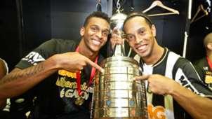 Ronaldinho Jô Atlético-MG Campeão Taça Copa Libertadores 2013