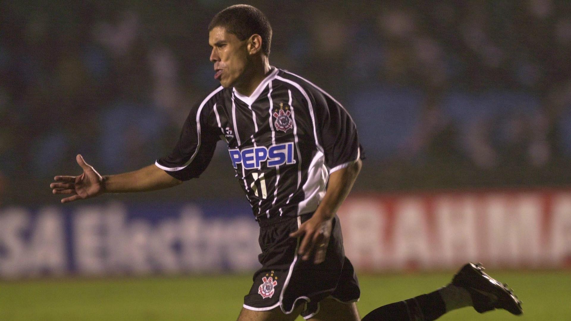 Ricardinho - Corinthians x Santos 2001