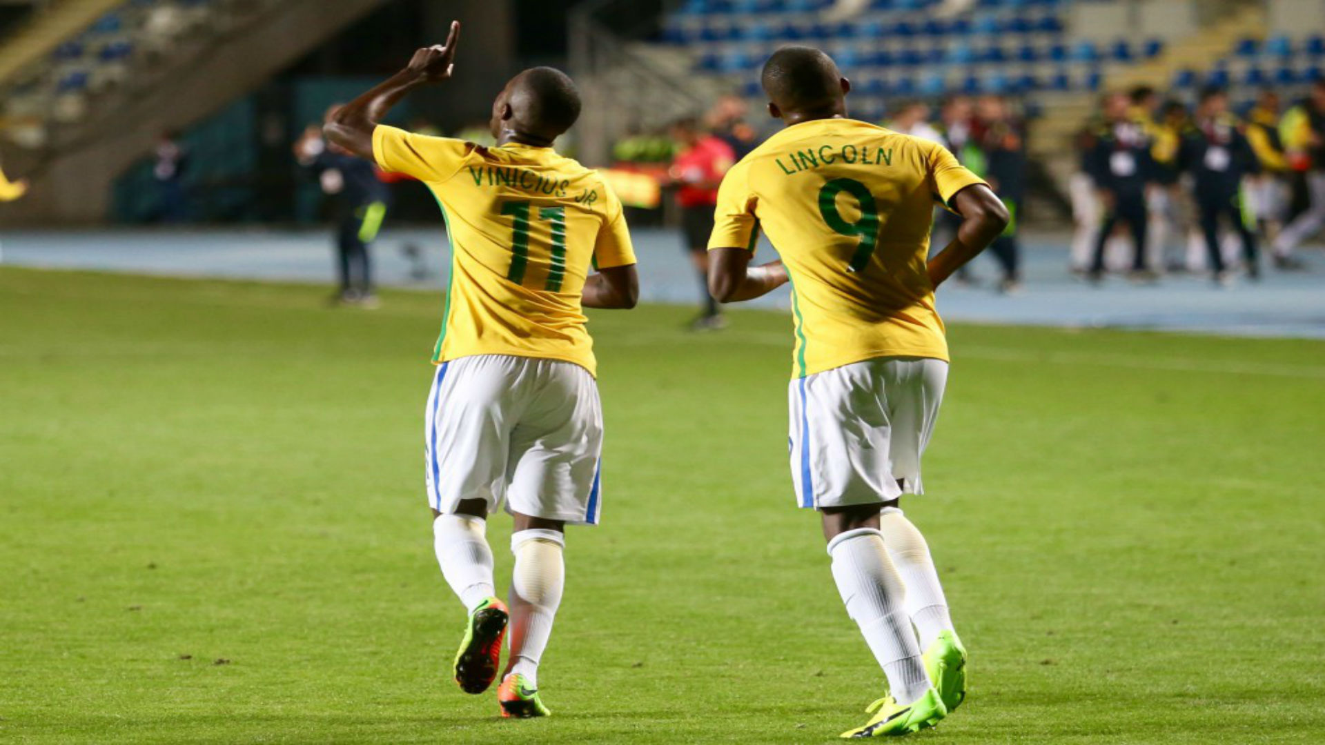 Vinicius Júnior e Linconl