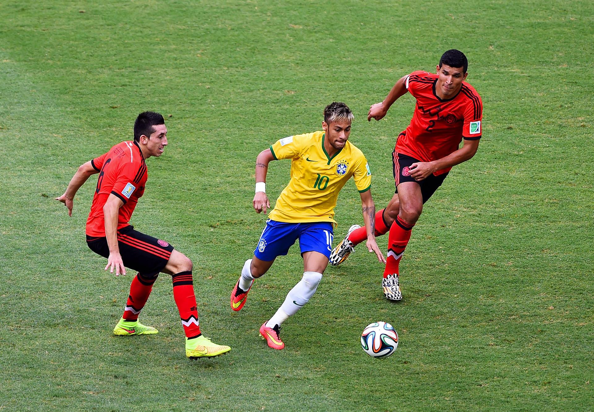 Neymar Brazil Francisco Rodriguez Hector Herrera Mexico 2014 World Cup Group A 06172014