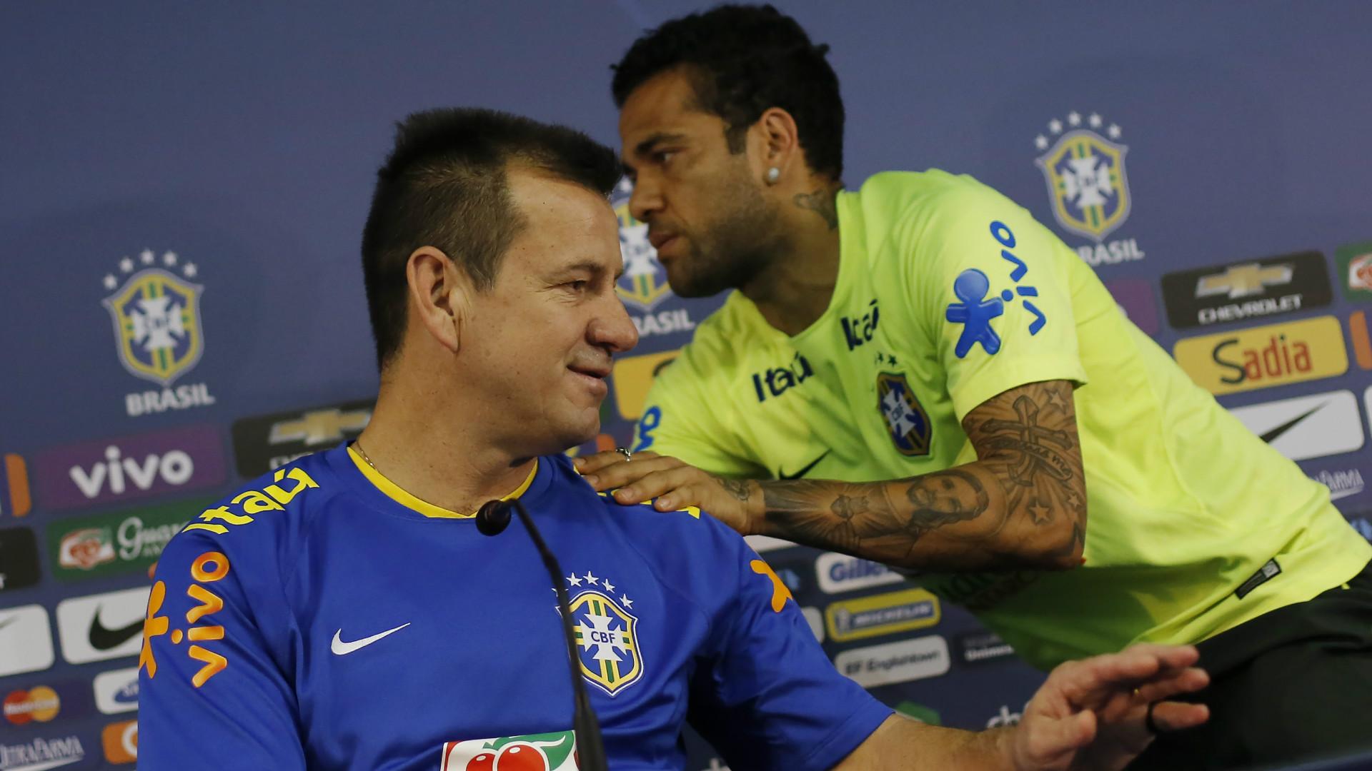 Dani Alves Dunga 12102015 Brazil