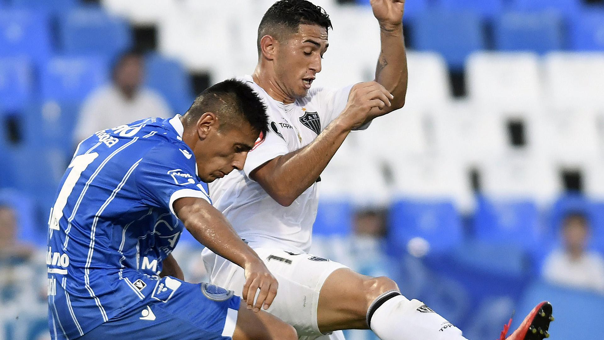 Fabricio Angileri Danilo Barcelos Godoy Cruz Atletico-MG Copa Libertadores 08032017