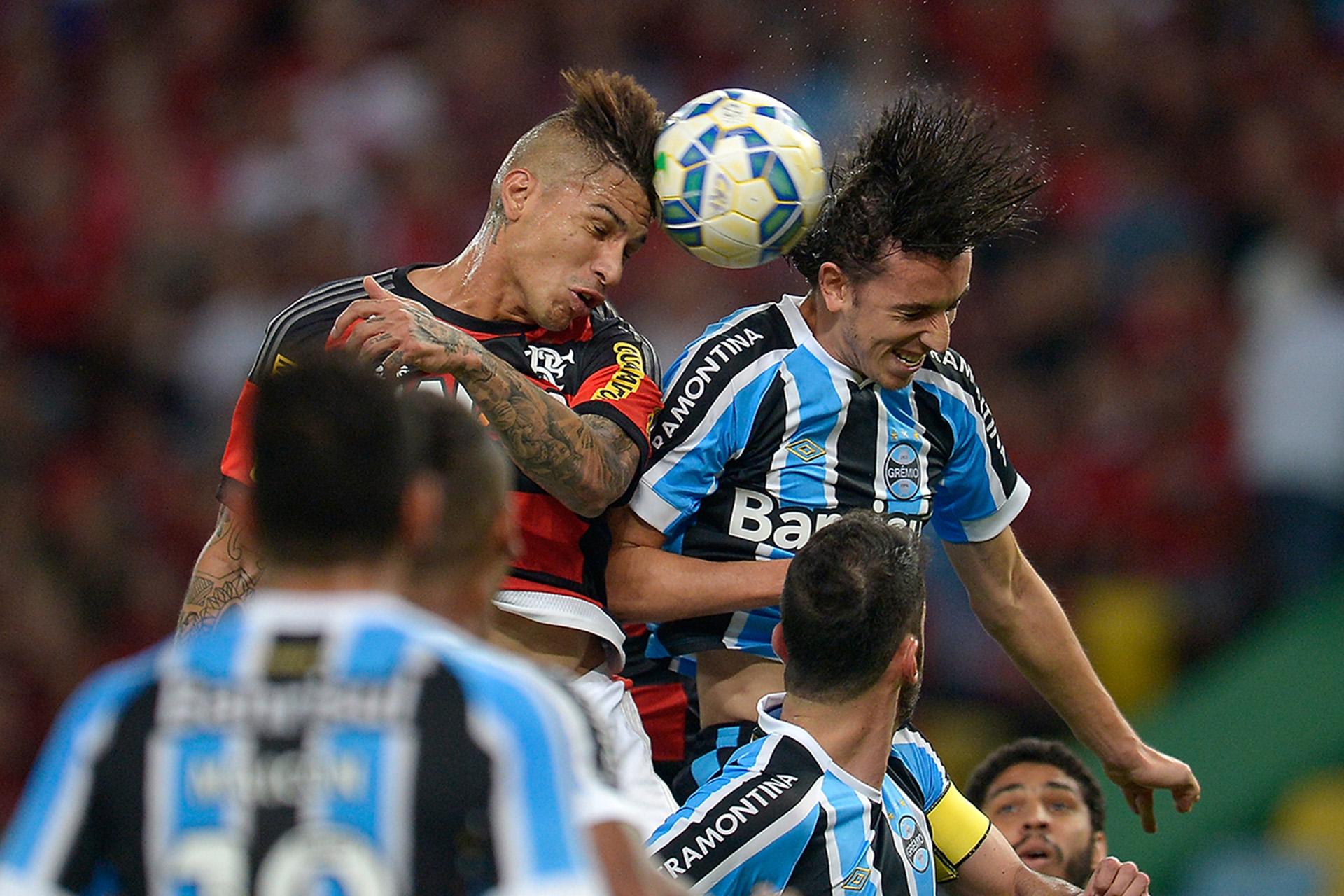 Guerrero Geromel Flamengo Gremio Brasileirão 18072015