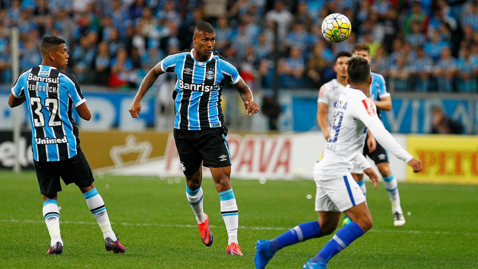 Walace - Grêmio x Cruzeiro 021116