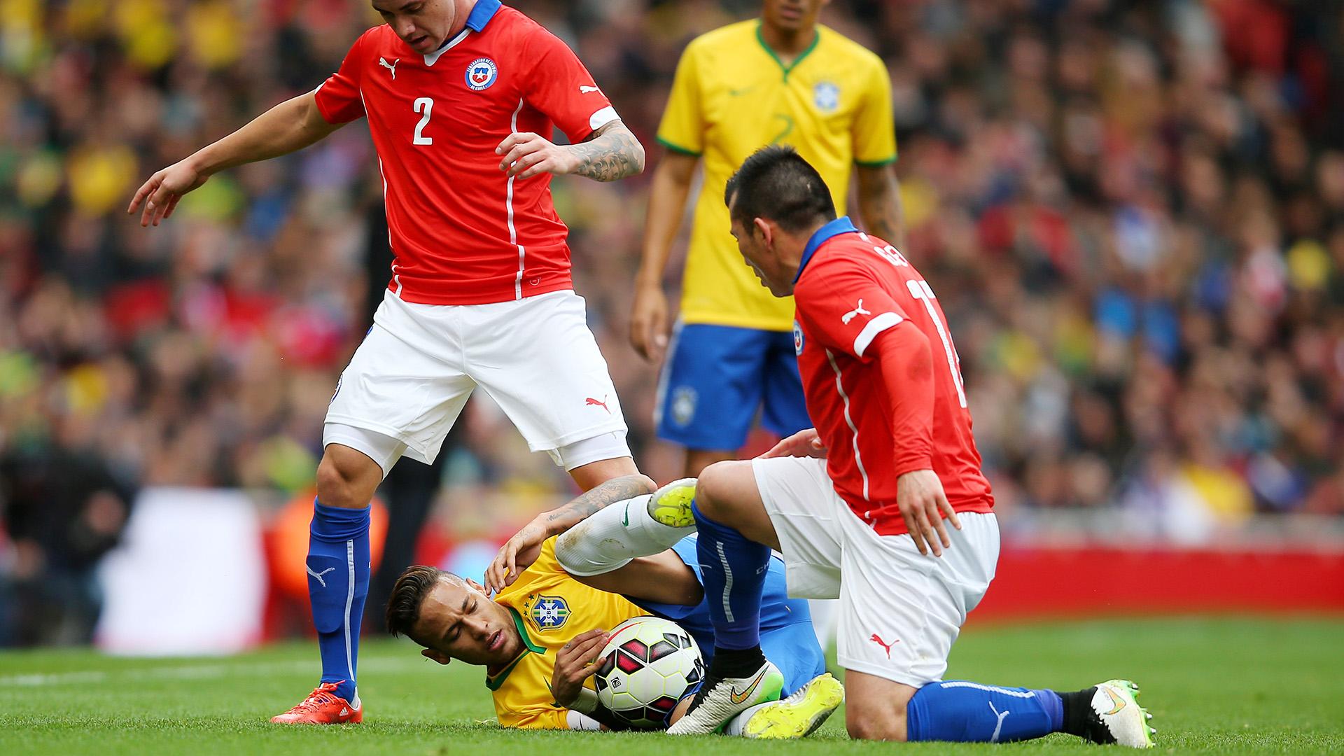 Neymar Gary Medel Brazil Chile Intl Friendly 29032015