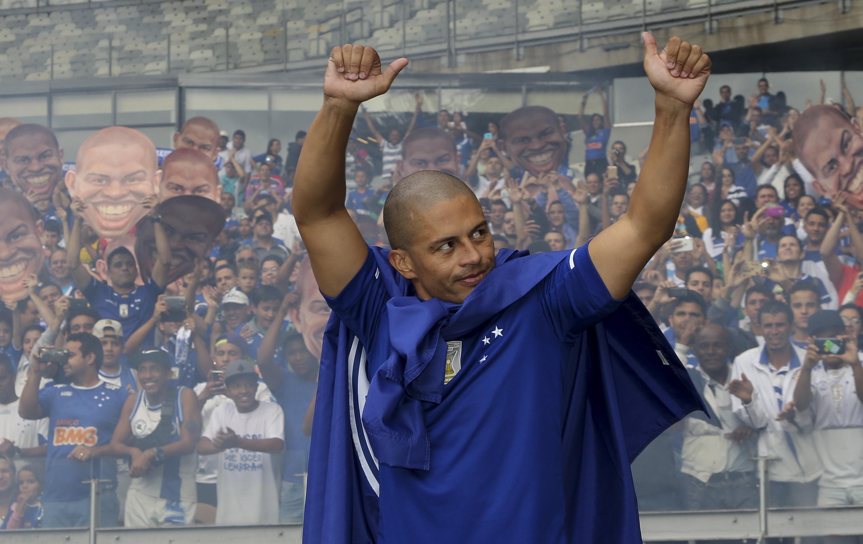 930334c1b0 Exclusivo  Alex aponta erros do Cruzeiro em 2016 e aposta em time forte em  2017
