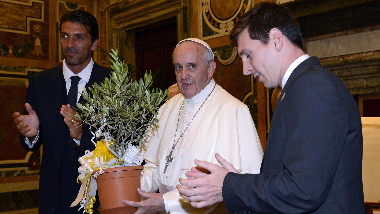 Papa Francisco e Lionel Messi 2013