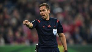 Referee Tobias Stieler