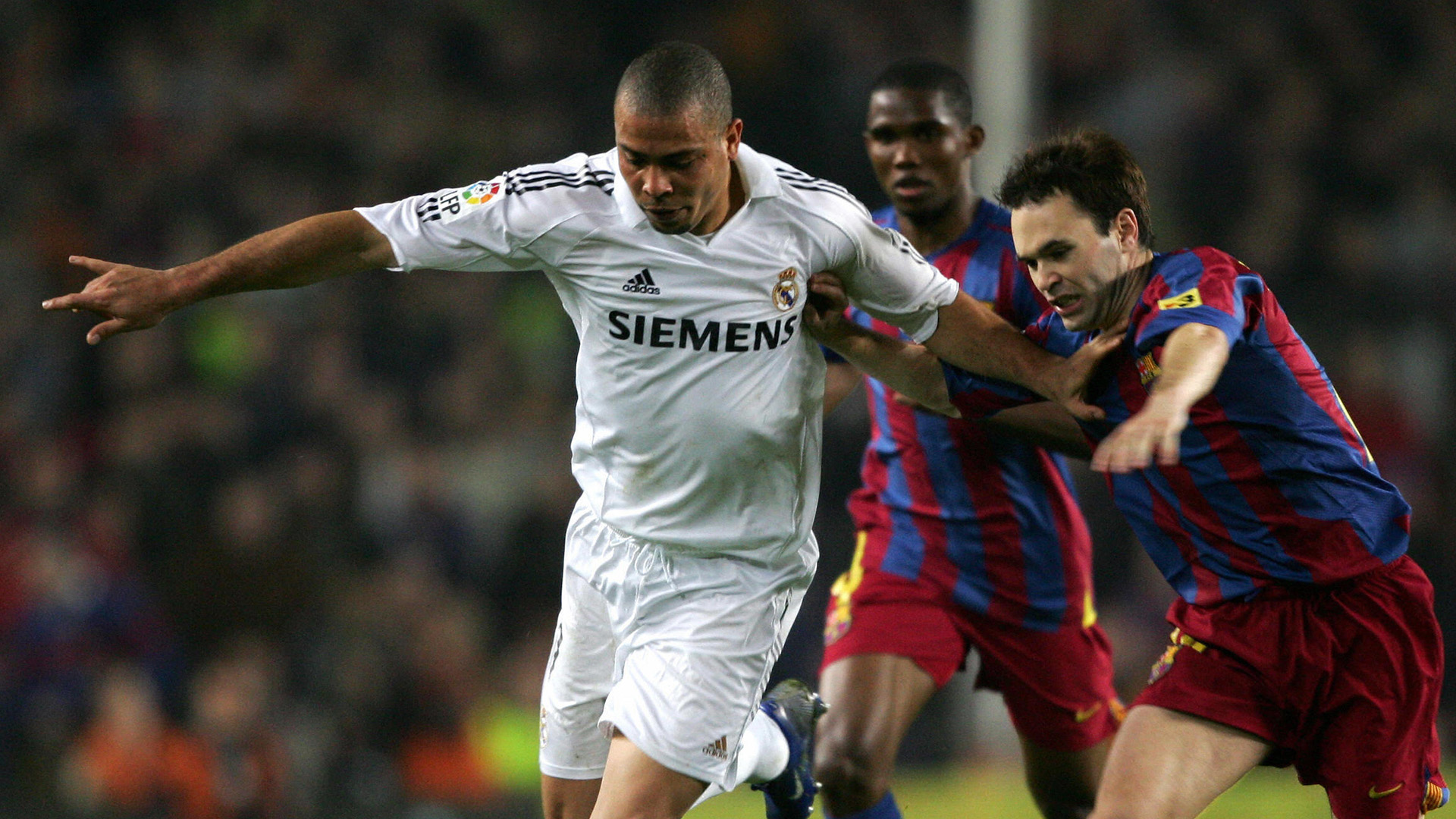 Gallery Ronaldo Nazario Real Madrid looks 01042006
