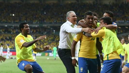 Paulinho, Tite, Fagner, Willain e Gil - Brasil - 23/03/2017