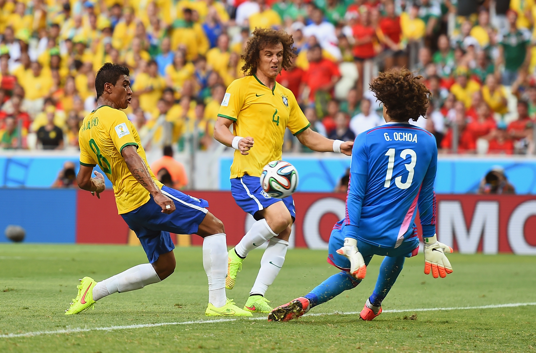 Guillermo Ochoa Paulinho David Luiz Brazil Mexico World Cup 20140617
