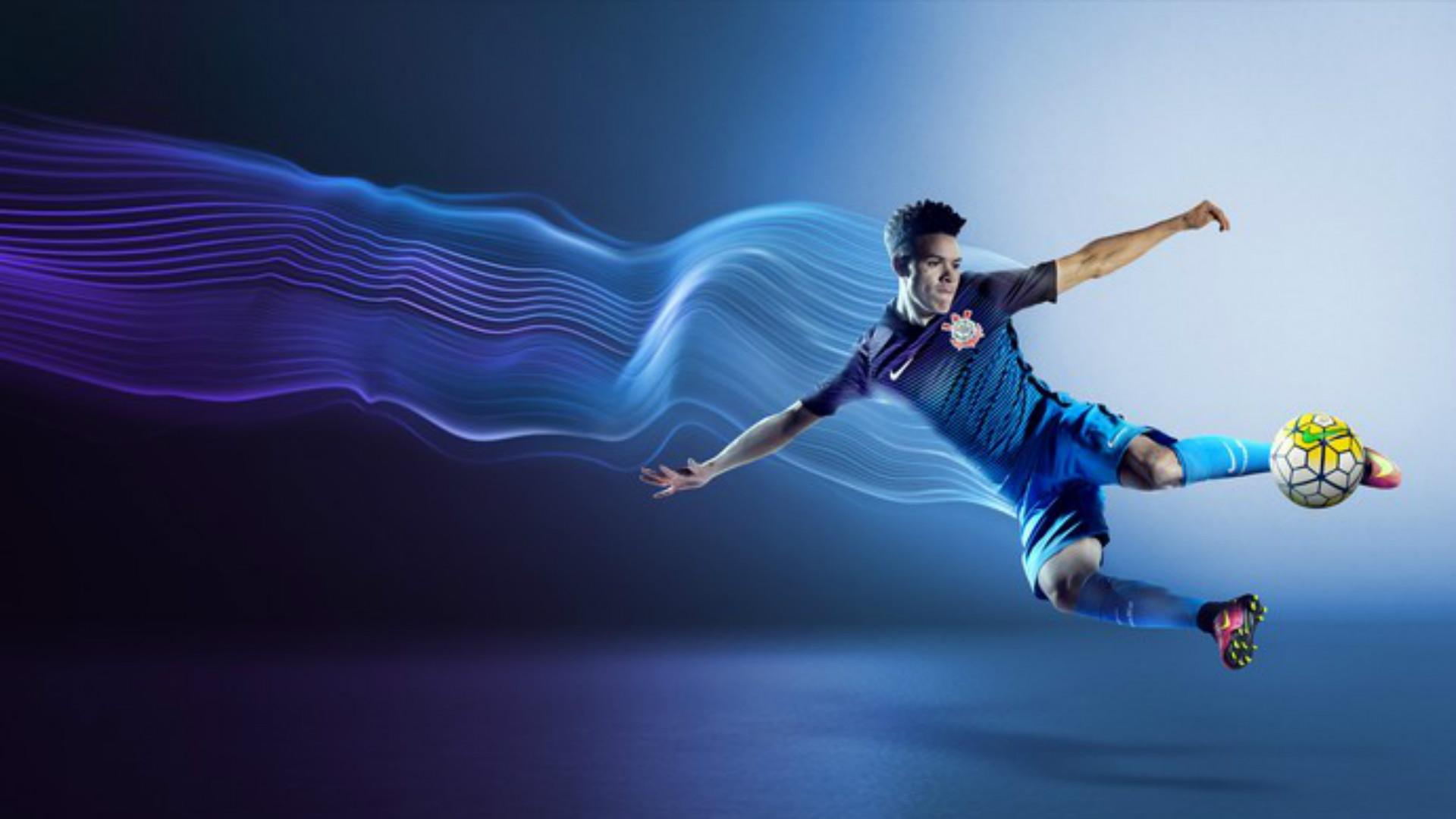 Nike divulga imagens da nova terceira camisa do Corinthians  8f91eaf4fb5ea