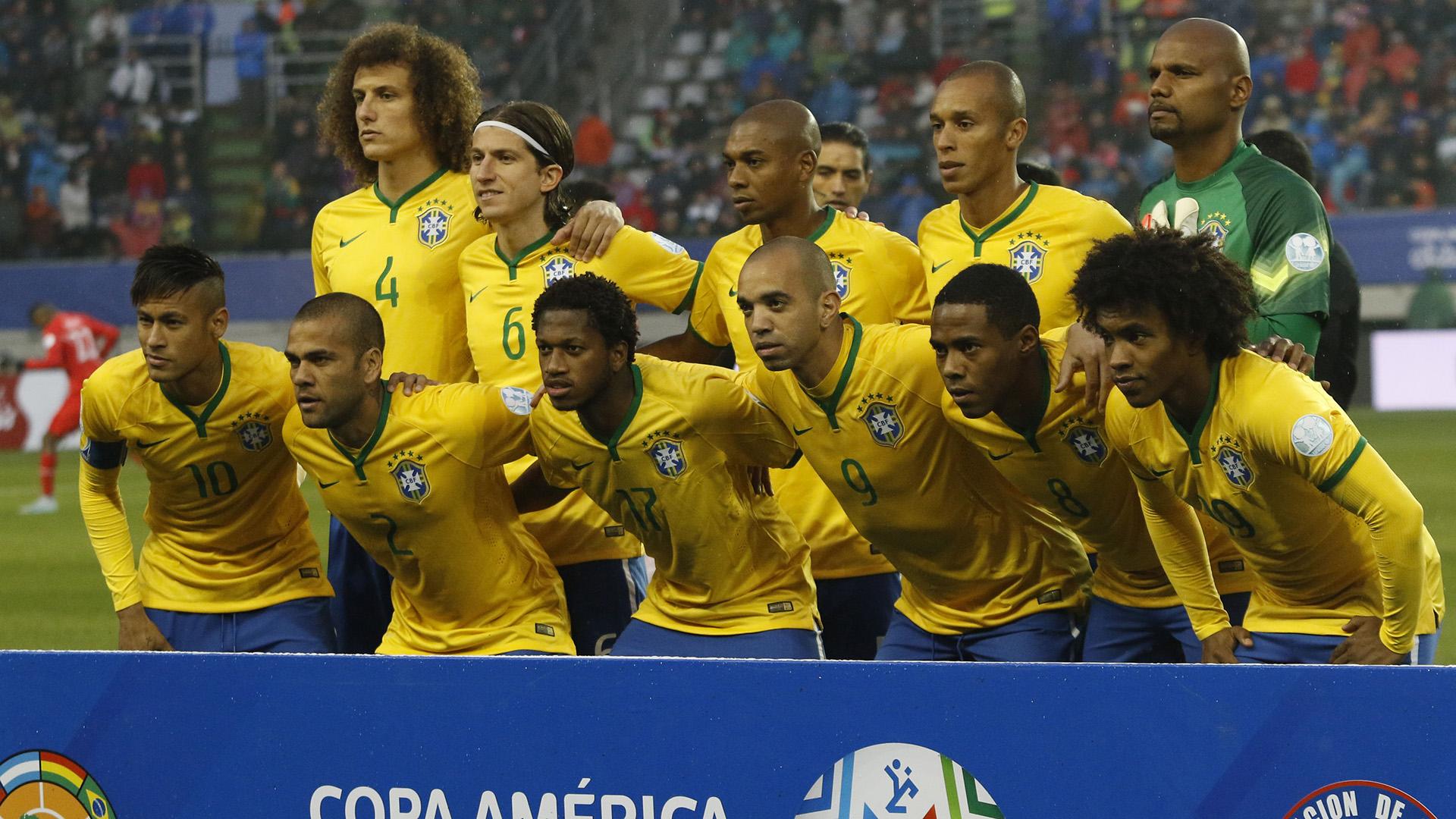 6a573bb715 lineup-brazil-peru-copa-america -temuco-14062015 8js55tmq2gej16mxpbddrktpg.jpg t -196771171
