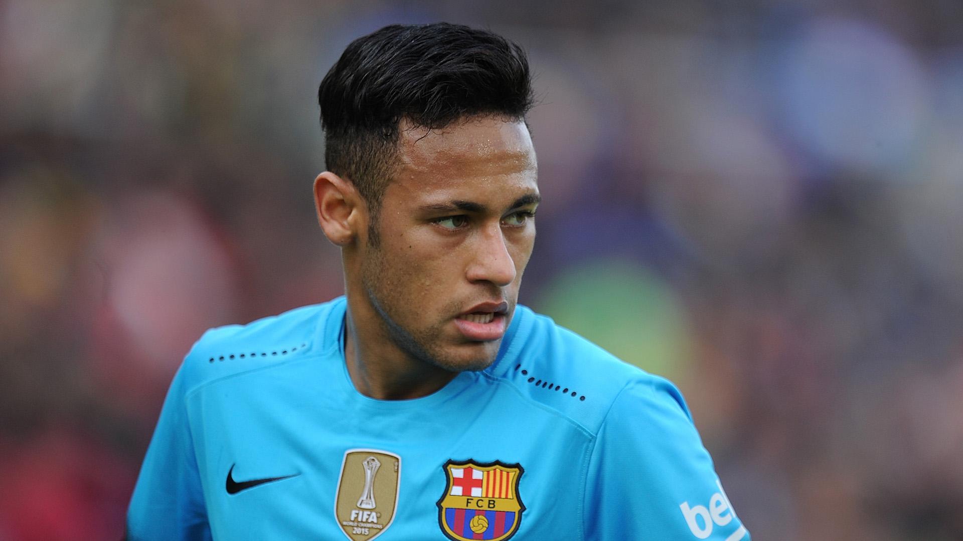 d86a6d3c87 Ex-atacante do Barcelona elogia Suárez e pede que Neymar renove contrato