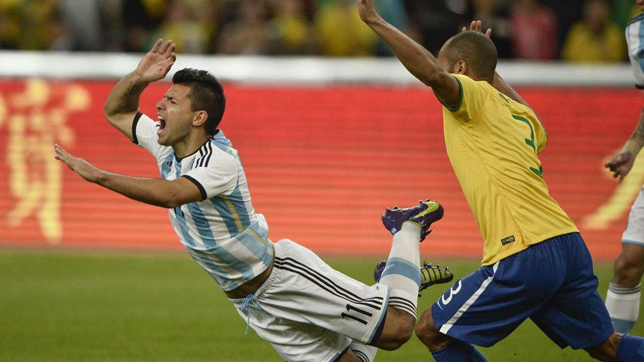 Sergio Aguero, Miranda | Brazil 2-0 Argentina | Superclásico de las Américas | 11 10 2014