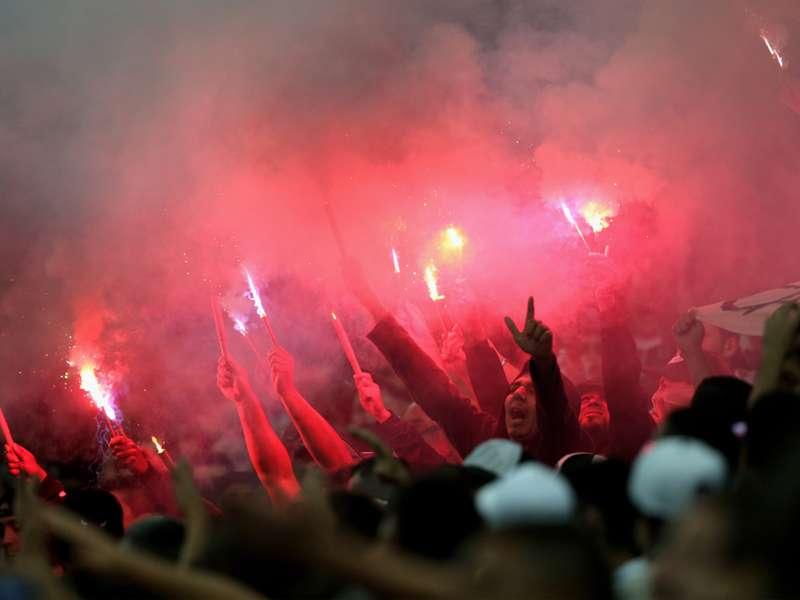 Corinthians repudia decisão do MP e briga por duas torcidas no clássico