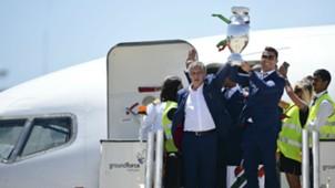 Fernando Santos e Cristiano Ronaldo aeroporto Lisboa 11 07 16