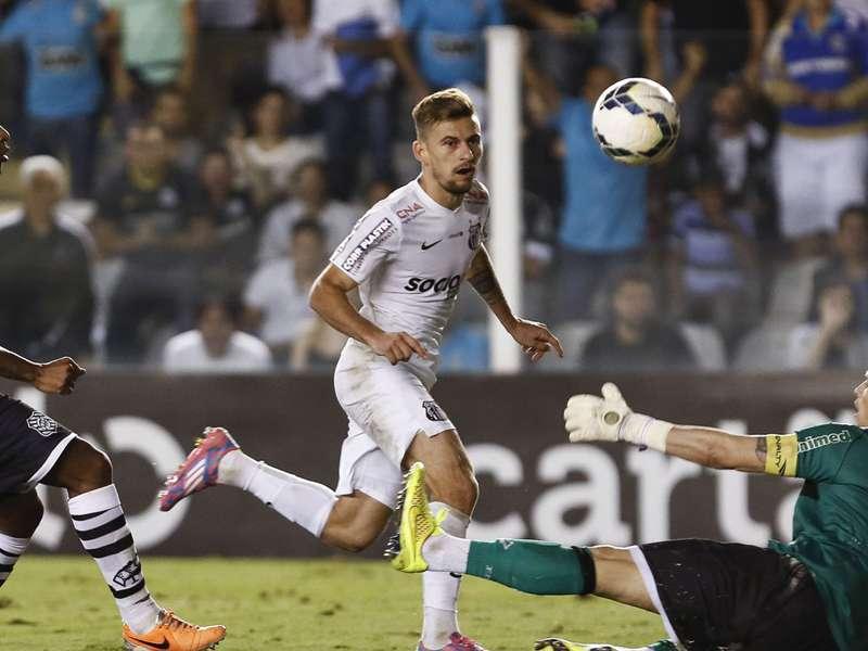 """""""Tenho vontade de jogar na Espanha"""", diz Lucas Lima"""