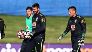 Alisson Ederson Diego Alves Brazil training 25052016