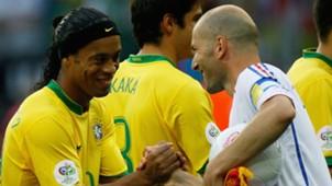 Ronaldinho e Zidane França x Brasil 01 07 06