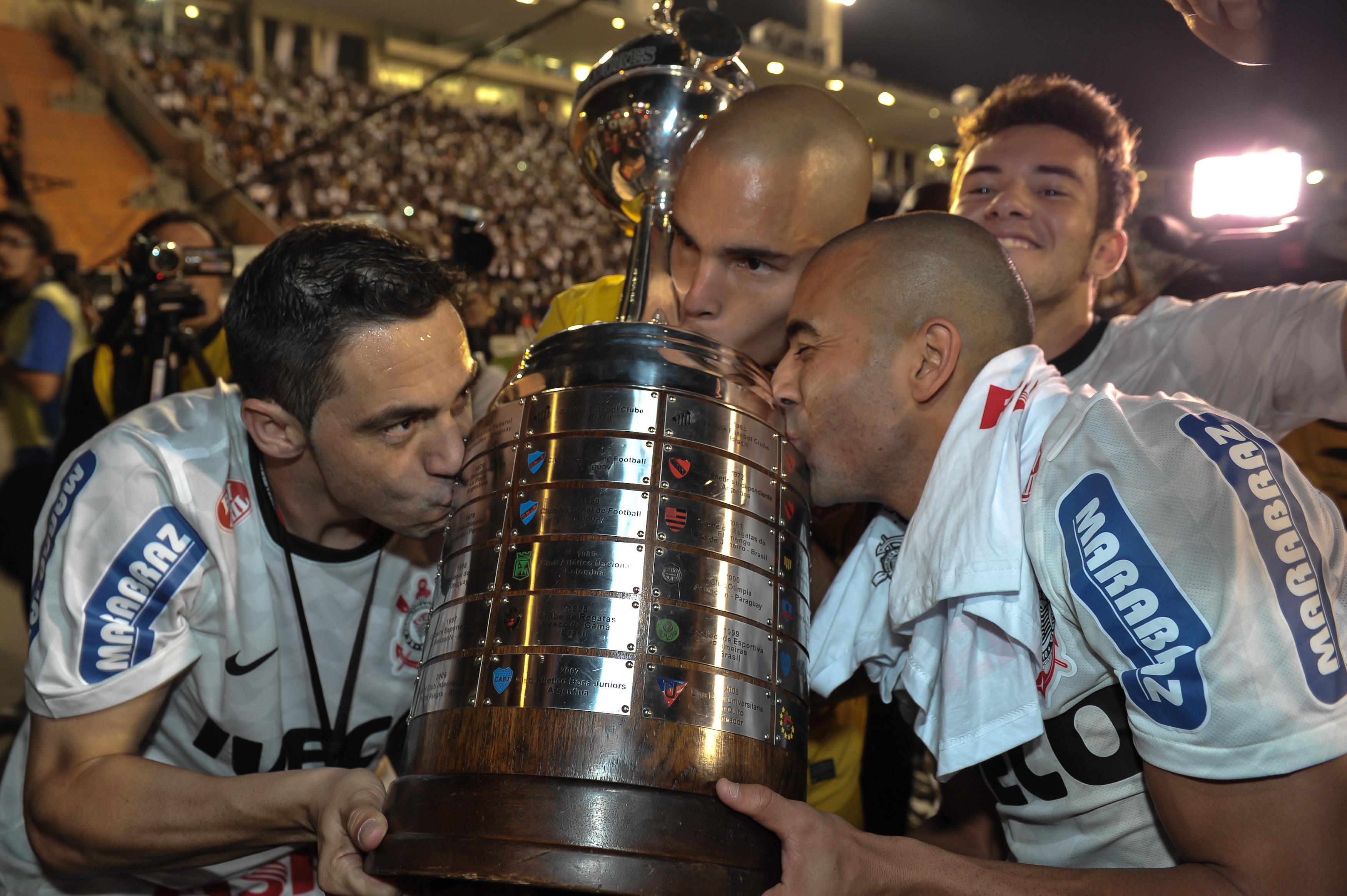 Corinthians 2-0 Boca Juniors (Libertadores 2012 - 040712)