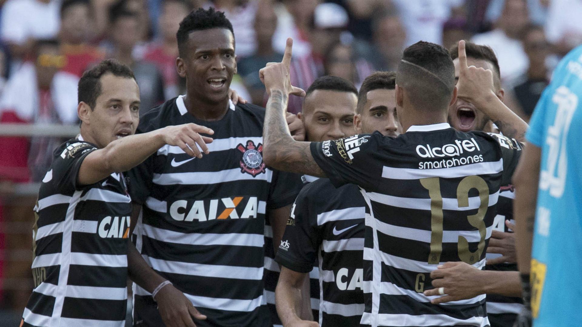 Jô, Rodriguinho, Guilherme Arana - Corinthians - 26/03/2017
