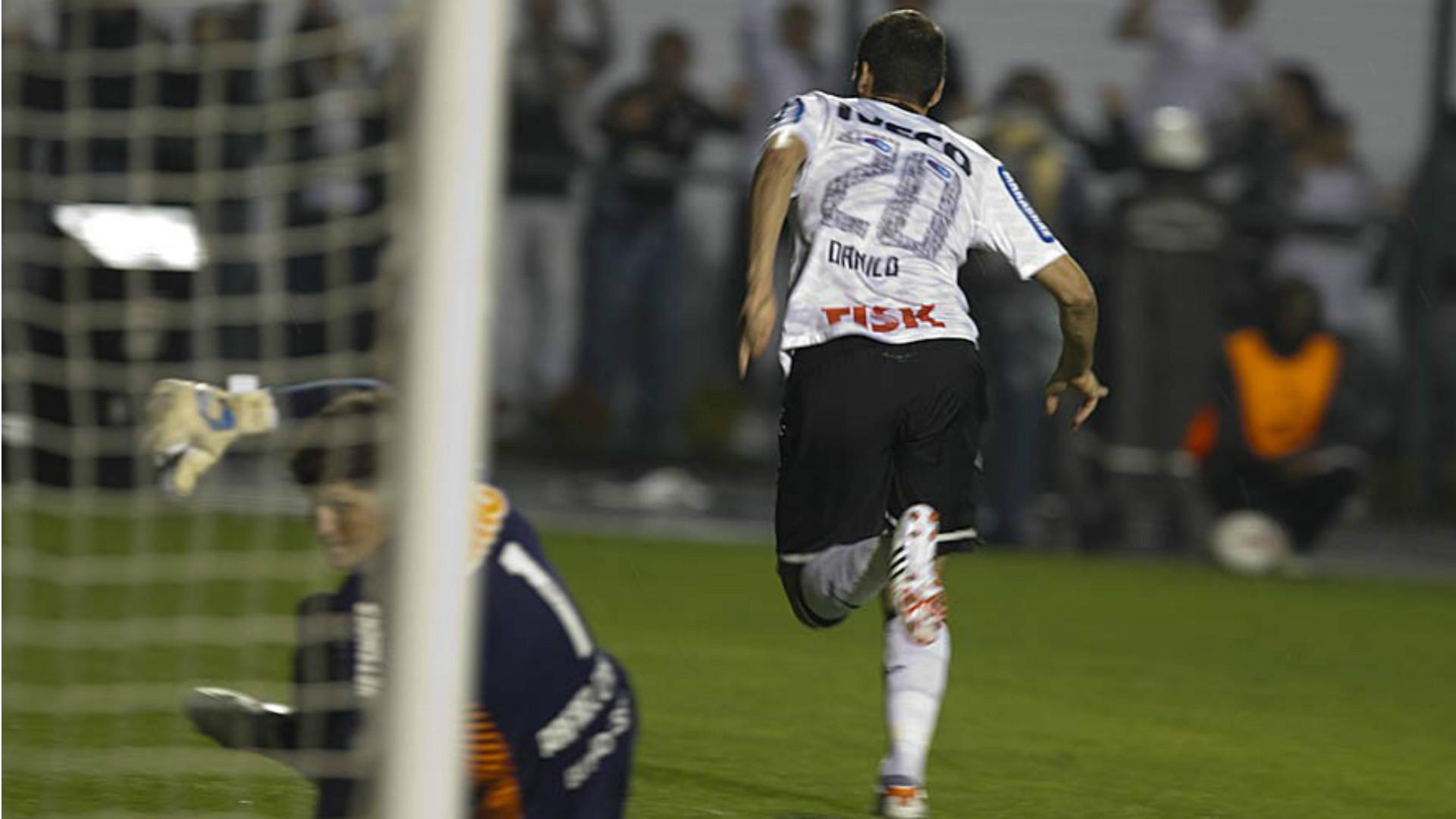 Danilo - Corinthians x Santos (Libertadores 2012)