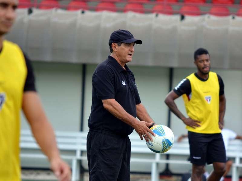 """Muricy Ramalho quer mudanças no time do São Paulo: """"Não dá para continuar desse jeito"""""""