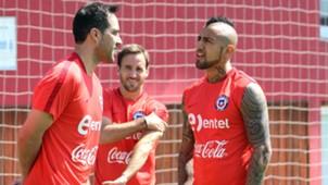Arturo Vidal, José Pedro Fuenzalida y Claudio Bravo