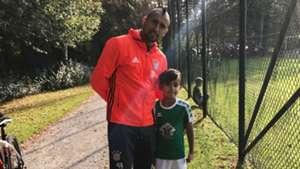 Arturo Vidal y su hijo Alonso