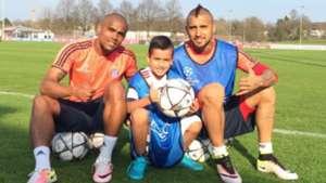Douglas Costa, Alonso y Arturo Vidal
