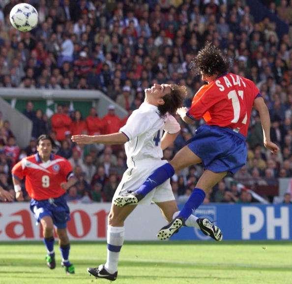 En el Mundial marca 4 goles y alcanza el record de Leonel Sánchez