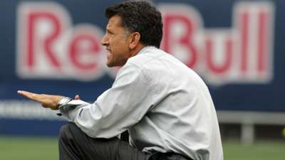 Juan Carlos Osorio dirigió en 15 compromisos al Chicago FIRE; y en 52 oportunidades al New York Red Bulls