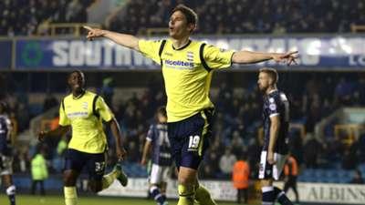 Nikola Zigic delantero serbio de 34 años, mide 202 cm y su último equipo fue el Birmingham City de la segunda división inglesa.