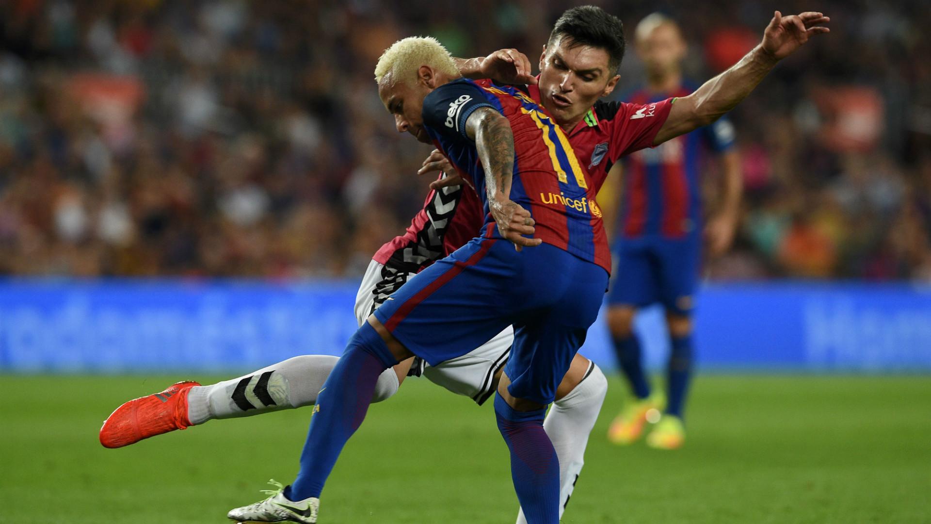 Daniel Torres Alavés vs Barcelona (2016-2017)