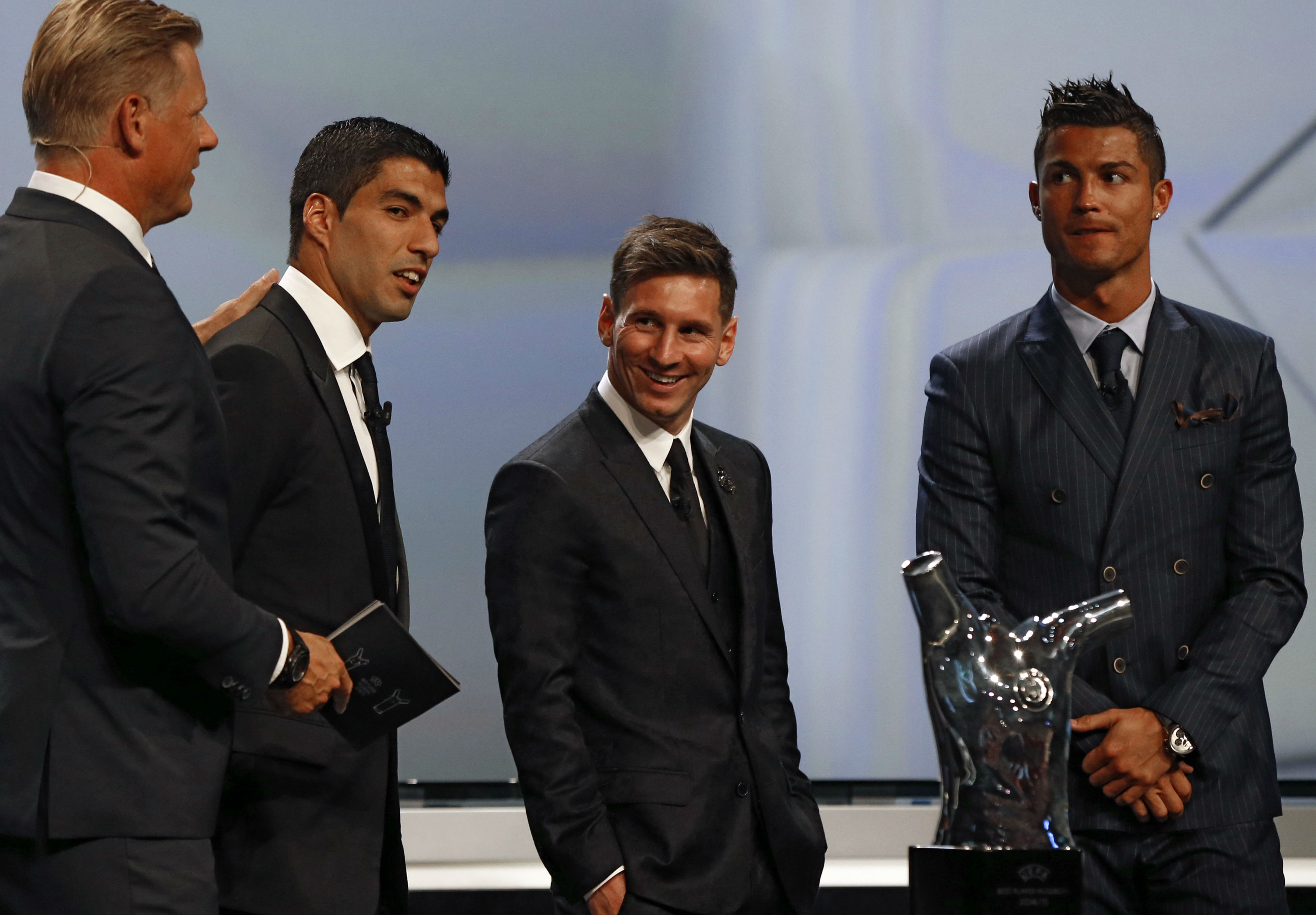 uis suarez lionel messi cristiano ronaldo - uefa player of the year - 27082015