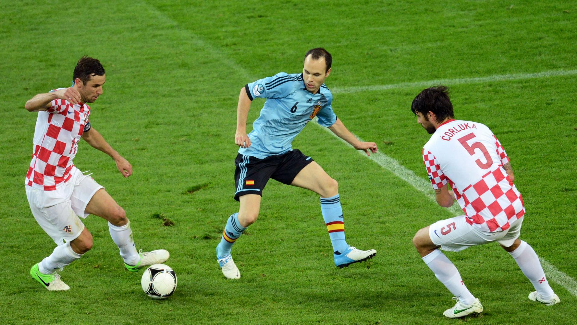 darijo srna andres iniesta vedran corluka - croatia 0 spain 1 - euro 2012 - 18062012