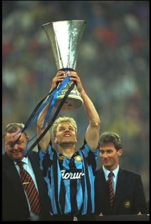 dennis bergkamp - inter salzburg - uefa cup final 1994