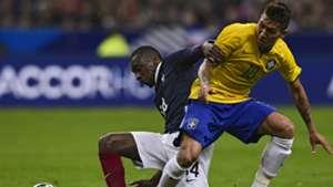 Blaise Matuidi Roberto Firmino France Brazil Friendly 26032015