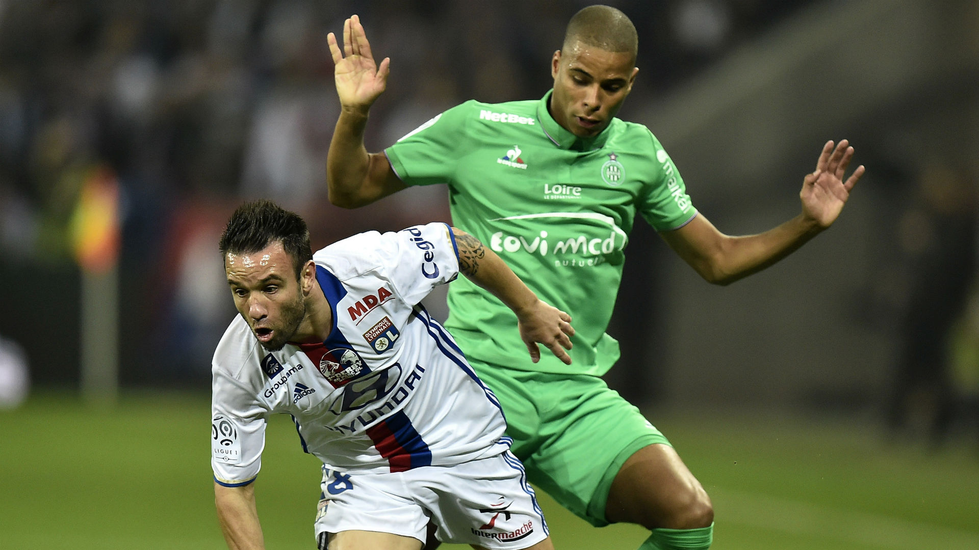 Kevin Monnet-Paquet Mathieu Valbuena Lyon AS Saint-Etienne Ligue 1 02102016