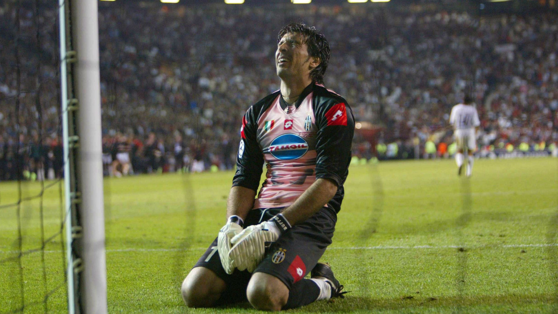 Buffon Juventus Milan Champions League 2003