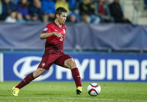 Portugal : blessé, Raphaël Guerreiro est de retour à Dortmund
