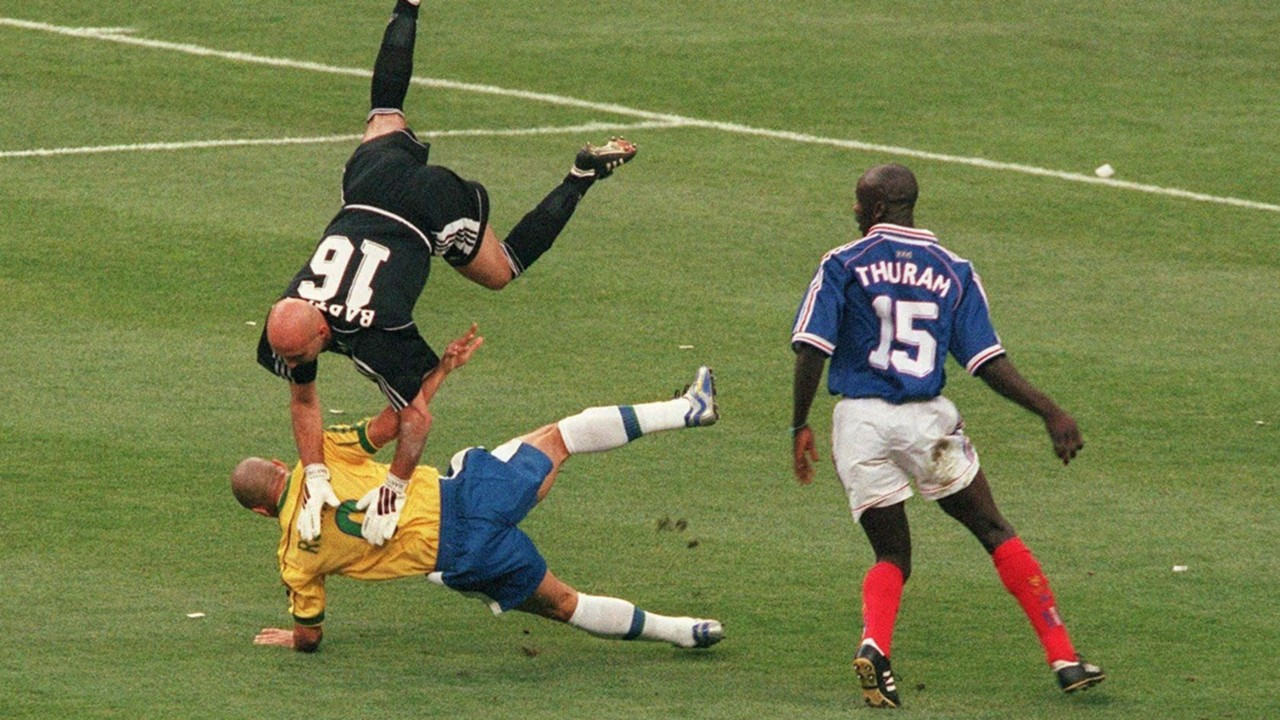 Fabien Barthez Ronaldo France Brazil World Cup 1998