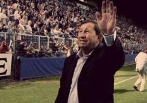 Guy Roux, qui fête ses 80 ans, est une légende vivante. Goal retrace 10 moments inoubliables de son histoire.
