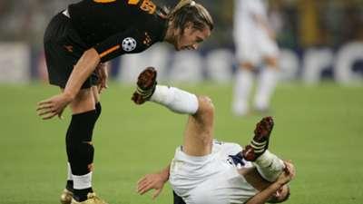 Mexes Roma Dynamo Kiev 15092004 UCL red card
