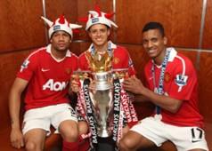Manchester United - Bebe (L)_Javier Hernandez_Nani (R)